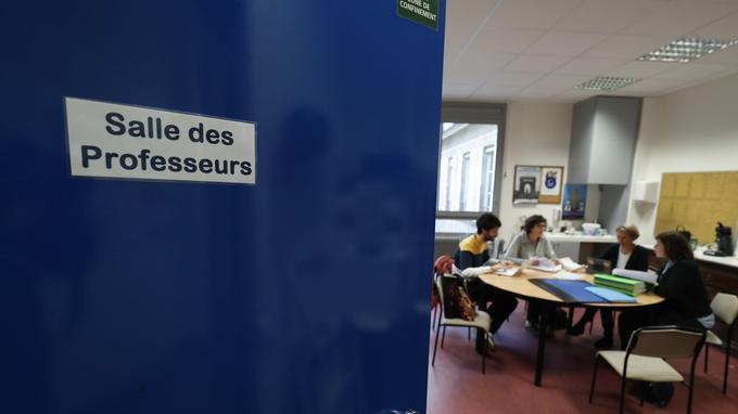Les enseignants du lycée Sainte-Geneviève, à Paris (VIe), partagent leurs points de vue sur la réforme.