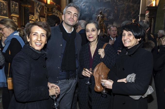 Grande figure du Musée national d'art moderne dont elle est directrice adjointe, Catherine David (au centre) était de ce rendez-vous de l'art au cœur de la chapelle des Beaux-arts.