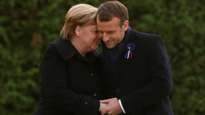 Angela Merkel et Emmanuel Macron lors des commémorations du centenaire de l'Armistice à Rethondes.