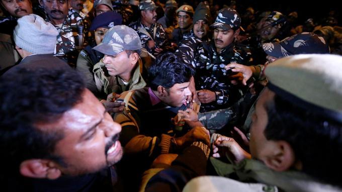 Depuis mercredi, de violents affrontements ont lieu dans l'État du Kerala. © Reuters