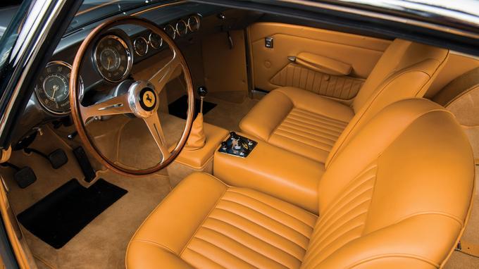 Le coupé 250 GT de Réthy a fait l'objet d'une restauration complète.