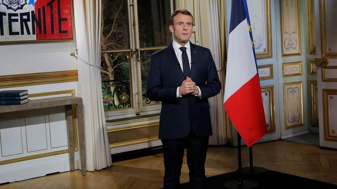 Emmanuel Macron lors de son allocution télévisée, lundi soir.