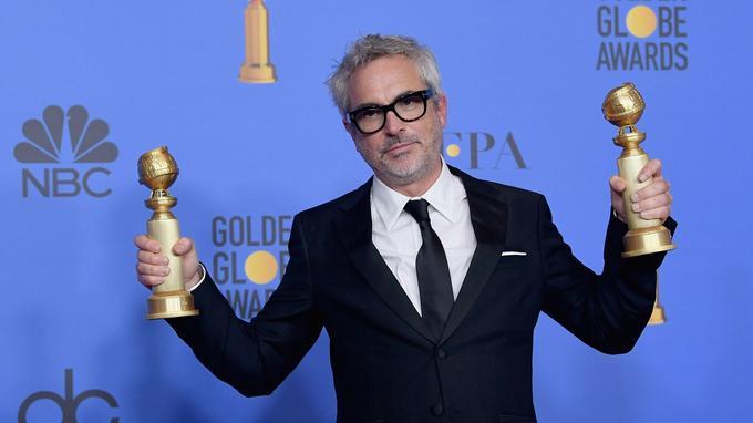Alfonso Cuarón et ses deux trophées pour «Roma». Le film en espagnol n'était pas éligible au titre de meilleur drame.