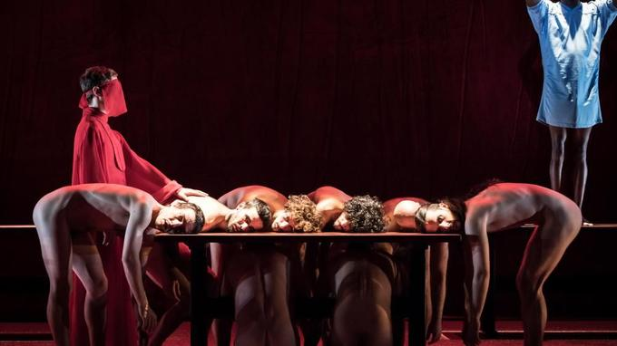 Extrait de «The Scarlet Letter», mis en scène par Angélica Liddell à la Colline.