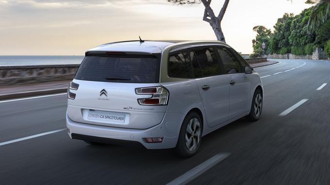 En plus de détails esthétiques exclusifs, chaque véhicule «Origins» reçoit une dotation plus riche au niveau des équipements.