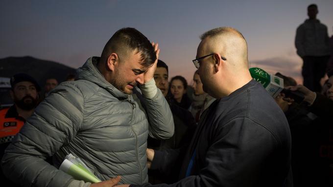Le père de Julen, Jose Rosello, en larmes.