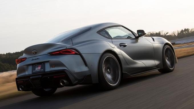 La japonaise utilise la plateforme et le moteur de la BMW Z4, soit un six cylindres en ligne turbo de 3 litres, développant 340 chevaux et 500 Nm de couple.