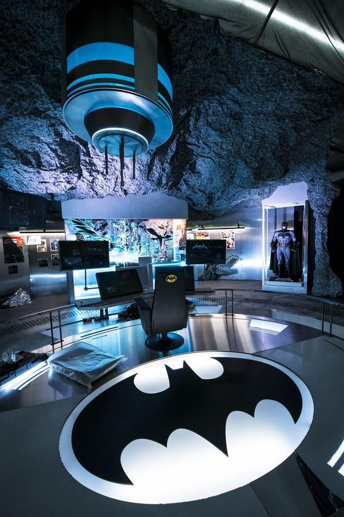 La Batcave.