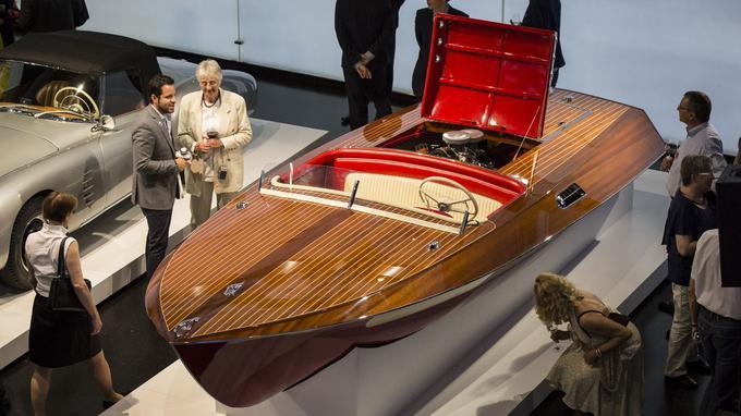 En 1957, BMW s'est tourné vers le constructeur de bateaux Werft A. Rambeck, afin de construire un bateau rapide à l'image du roadster 507.