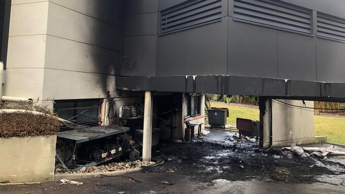 Une partie de la chambre froide du restaurant a été incendiée.