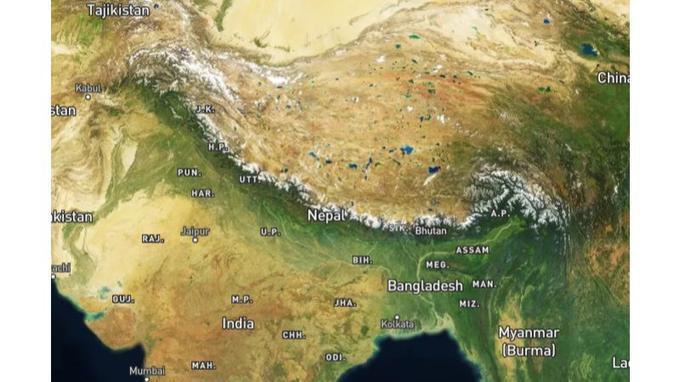 La chaîne de l'Himalaya s'étend sur 3500 kilomètres de l'Afghanistan à la Birmanie.