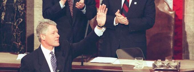 """«L'ère du """"big government"""" est achevée», déclare Bill Clinton en 1996."""