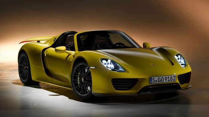La 918 Spyder est la Porsche homologuée pour la route qui passe le plus vite de 0 à 100 km/h: 2,6 secondes seulement.