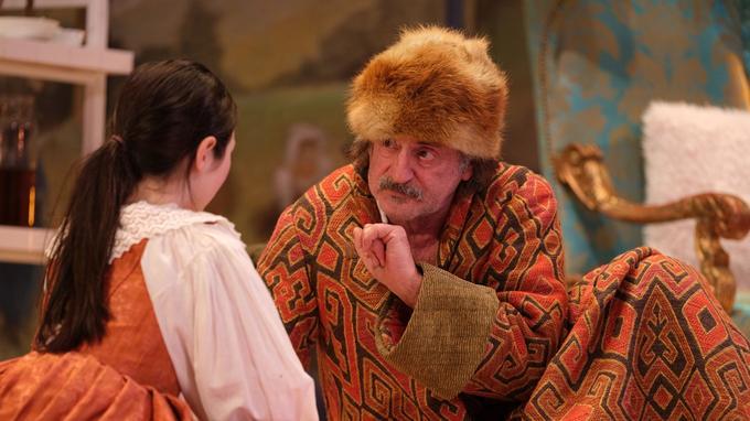 Daniel Auteuil est Argan dans <i>Le Malade imaginaire</i>.