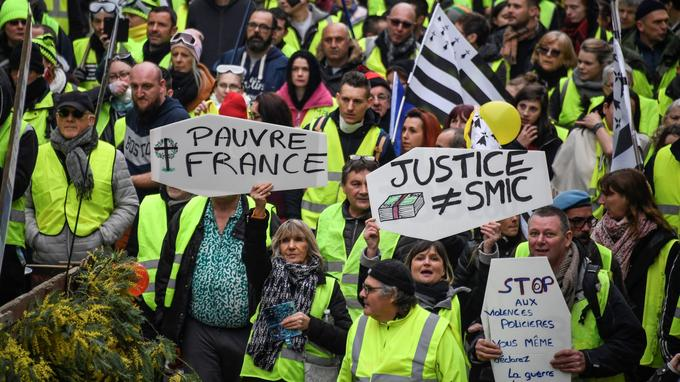 Entre 1500 et 2000 Bretons se sont réunis à Pontivy ce samedi après-midi.