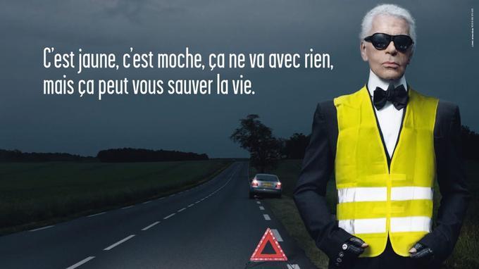 Karl Lagerfeld a aussi assuré la promotion du port du gilet jaune au bord des routes.