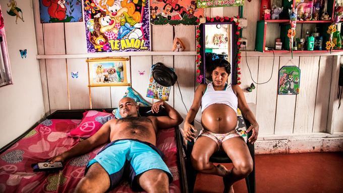 La photographe française Catalina Martin-Chico et son travail sur les mères et les femmes enceintes au sein des FARC en Colombie.