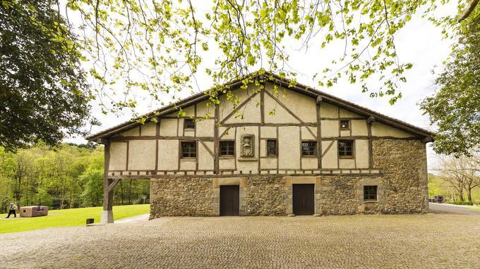 La ferme Zabalaga date du XVIe siècle. ©Zabalaga Leku. San Sebastián, VEGAP, 2019. Estate of Eduardo Chillida and Hauser & Wirth. Photo Courtesy Mikel Chillida