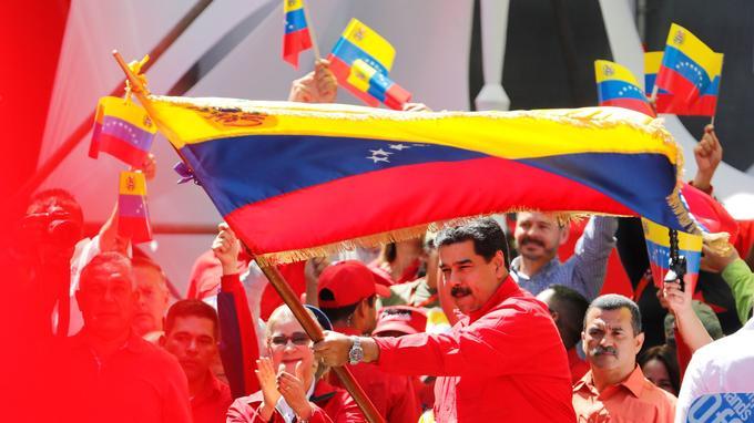 «Ma patience est épuisée, je ne peux plus le cacher, nous ne pouvons plus supporter que le territoire colombien soit utilisé pour des attaques contre le Venezuela», a dit le président vénézuélien dans un discours à Caracas.