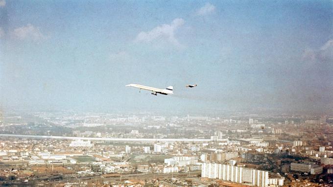 La première fois, Concorde a survolé Toulouse pendant trente minutes.