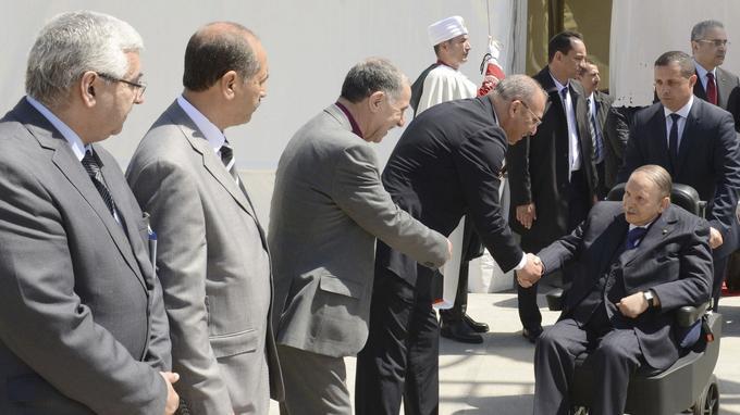Le président Abdelaziz Bouteflika en fauteuil roulant, en avril 2018, lors de l'inauguration de la mosquée Ketchaoua, en restauration depuis plusieurs années.