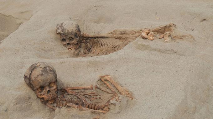 Deux enfants momifiés après un séjour de 500 ans dans le sable.