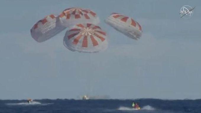 Mission accomplie pour Dragon qui a réussi un parfait amerrissage à l'heure prévue.