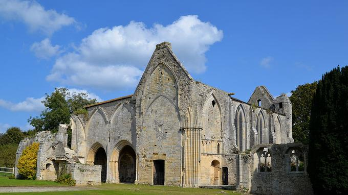 L'essentiel des travaux nécessaires pour restaurer l'abbaye Sainte-Marie de Longues-sur-Mer se concentre sur son chœur.