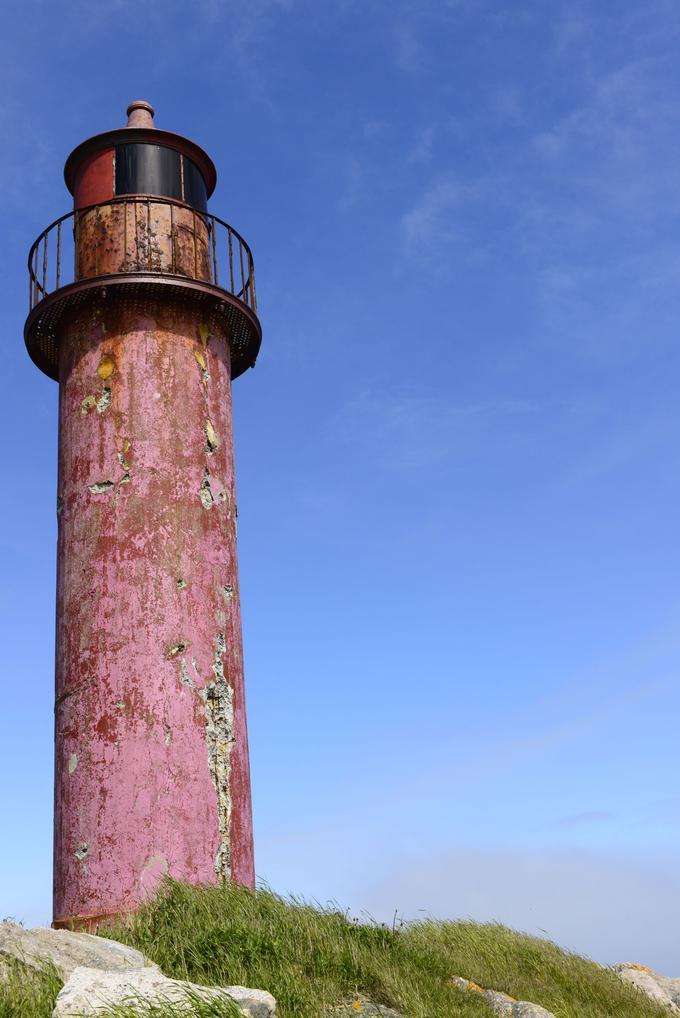 La rénovation du phare de l'île aux Marins à Saint-Pierre-et-Miquelon, devrait donner un coup d'accélérateur touristique à son chef-lieu.