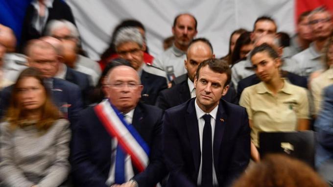 Emmanuel Macron lors d'une séance du grand débat national à Greoux-les-Bains le 7mars.
