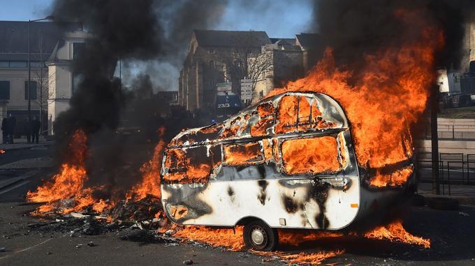 Une caravane a été incendiée.
