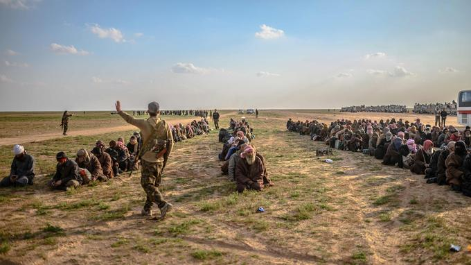 Retour des djihadistes de Rojawa... - Page 2 XVM7eb68fb4-38c7-11e9-a30d-dd78185c2706