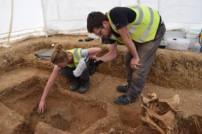 Les tombes à char sont assez fréquentes à cette époque, on en a déterré quelques centaines en France