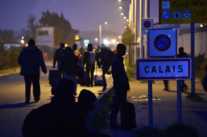 Le lundi 24 octobre, à 8 heures, l'opération d'évacuation du camp de Calais dit «la jungle» a debuté dans le calme.