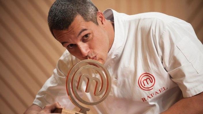Rafael Gomes é o gran gañador tras dous meses de eventos. 14 xefes competían.'épreuves. 14 chefs étaient en compétition.