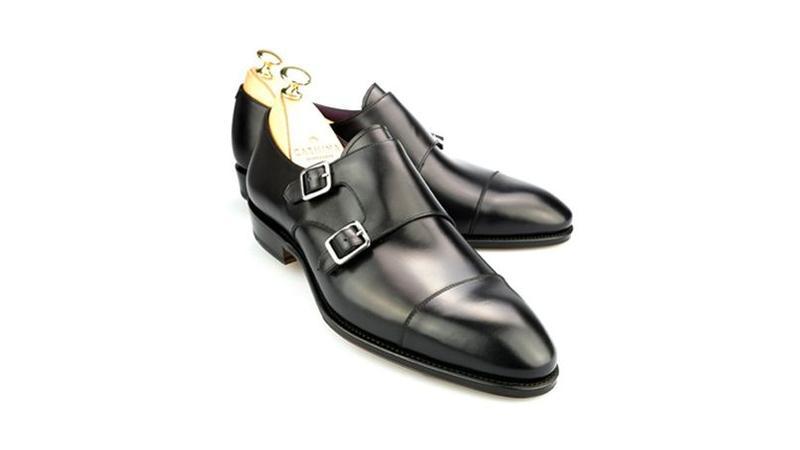 d860e13a4308d La double boucle qui caractérise cette chaussure appelé «Monk» allie le   i casual  i  et le chic