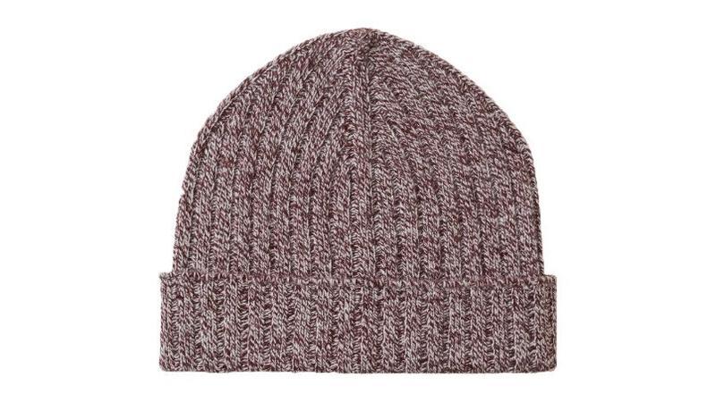 Ralph Lauren Bonnet Polo Bear en tricot 59 €. The Kooples Bonnet en laine  gris 68 €. Asos Bonnet torsadé style pêcheur en laine d agneau mélangée  bleu jean ... 0e6ada1537b