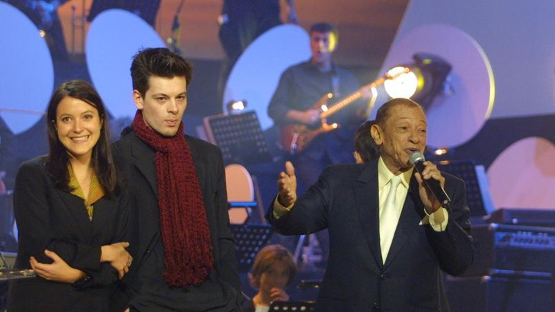 Keren Ann et Benjamin Biolay au côté d'Henri Salvador aux Victoires de la musique, en 2001.