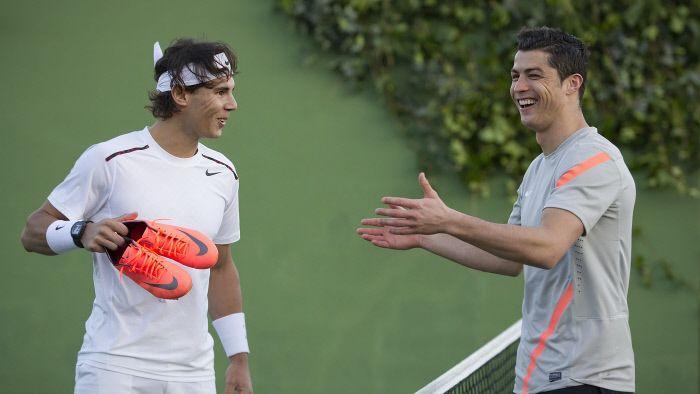 Cristiano Ronaldo sur le tournage d'une pub pour Nike en compagnie de Rafael Nadal en 2012.