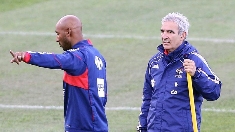 Nicolas Anelka et Raymond Domenech lors de la Coupe du monde 2010