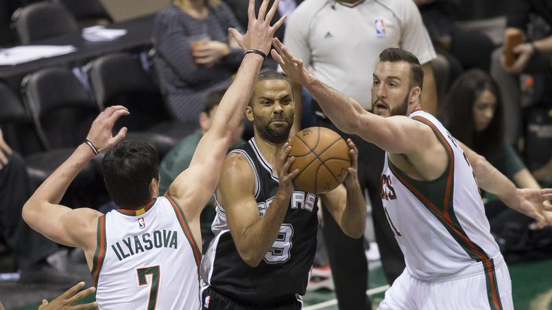 Tony Parket et les Spurs devront batailler pour conserver leur titre de champion NBA.