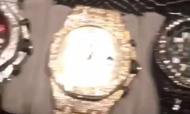 Les montres diamantées de Floyd Mayweather.