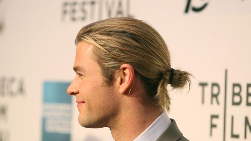 Cheveux long homme de dos
