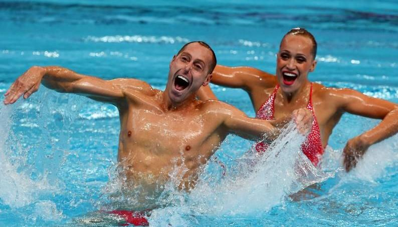 Bill May et Christina Jones dans le bassin de Kazan dimanche.