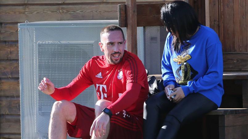 Franck Ribéry en compagnie de sa femme Wahiba au centre d'entraînement du Bayern Munich.