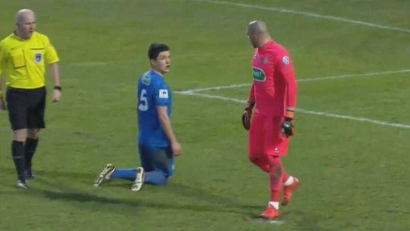 Le comportement hautain du gardien de Saint-Etienne face à un amateur