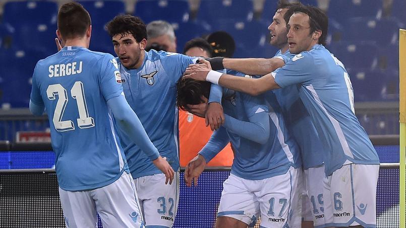 L'UEFA a ouvert une procédure contre la Lazio de Rome.