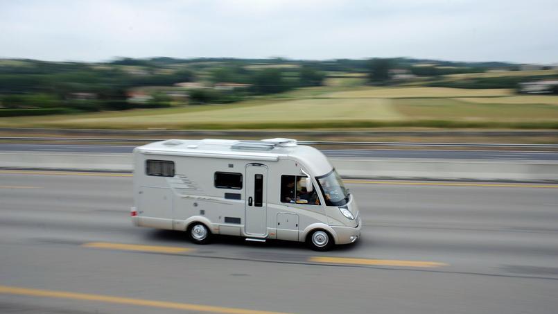 une vaste enqu te de gendarmerie permet de retrouver 280 camping cars vol s. Black Bedroom Furniture Sets. Home Design Ideas