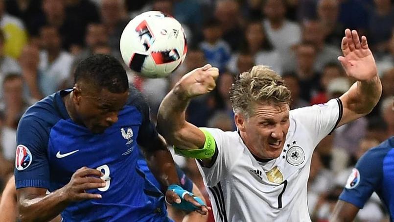 Il y avait bien main de Schweinsteiger dans la surface