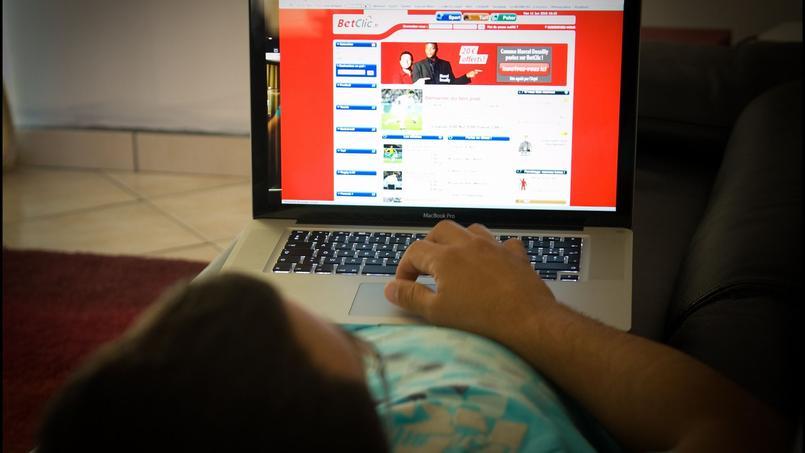 En France, les paris sportifs ont été placés sous la surveillance étroite d'une agence, l'ARJEL.